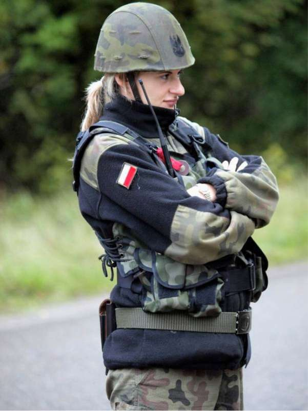 Female polish soldier