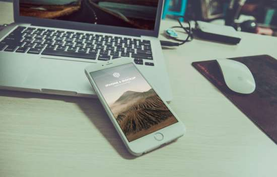 photorealistic_iphone_plus_psd_mockup_templates