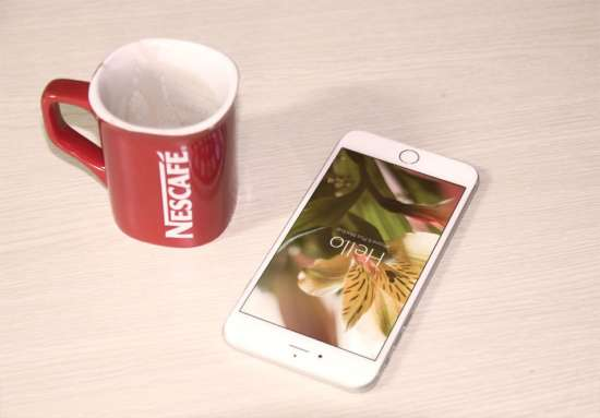 iphone_psd_mockups_template_and_coffee_cup