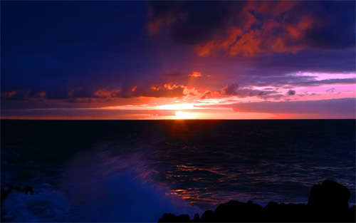 dark_sea_sunset_background