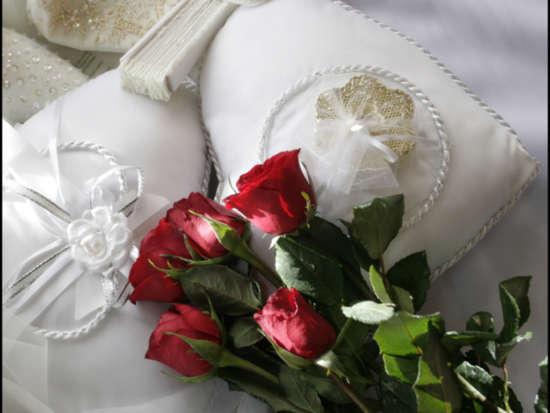 lovely_romantic_red_roses