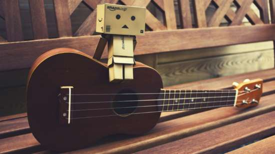 General 1920x1080 guitar bench Danbo