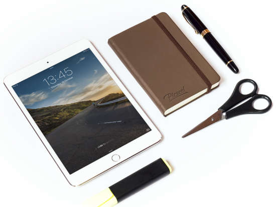 ipad_mini_stationary_mockup