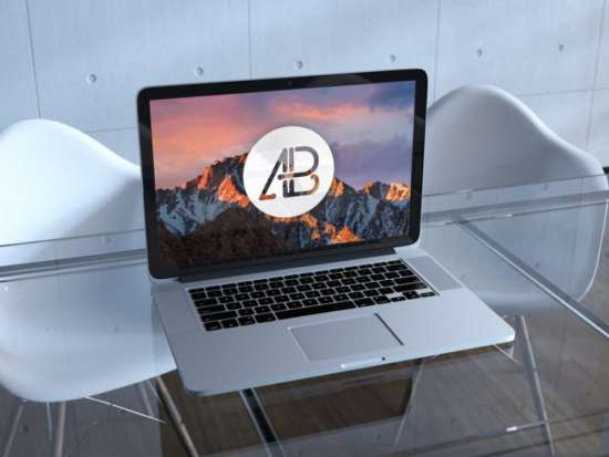 macbook_on_office_glass_table_mockup