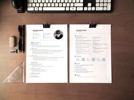 simple_dina4_on_desk_template