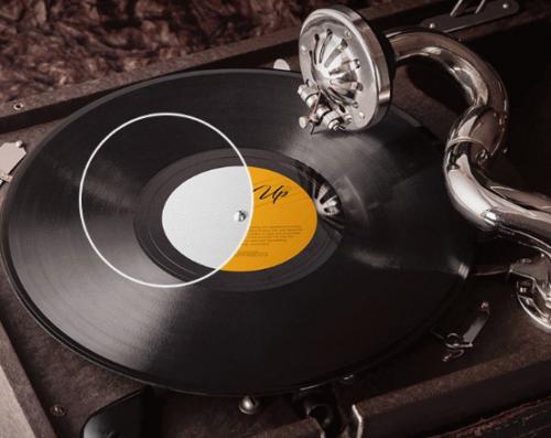 3_free_psd_vinyl_records_mockups