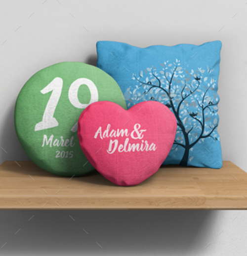 3_different_pillow_mockup_models