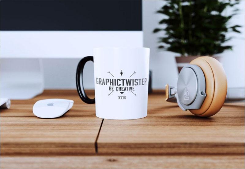white_cup_on_desk_mockup
